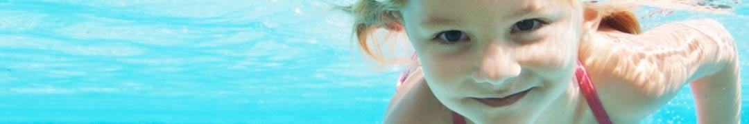 Schwimmschule-Wellenbrecher